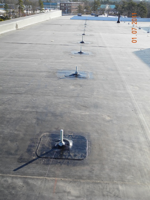 Beaumont Solar design team designed this 100.776kW system for this rubber membrane roof