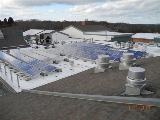 Non-penetrating ballast mount portion of total 85.54kW system