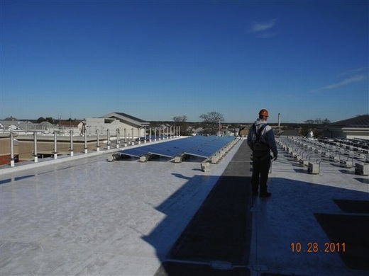 This 61.10kW system is a non-penetrating ballasted system